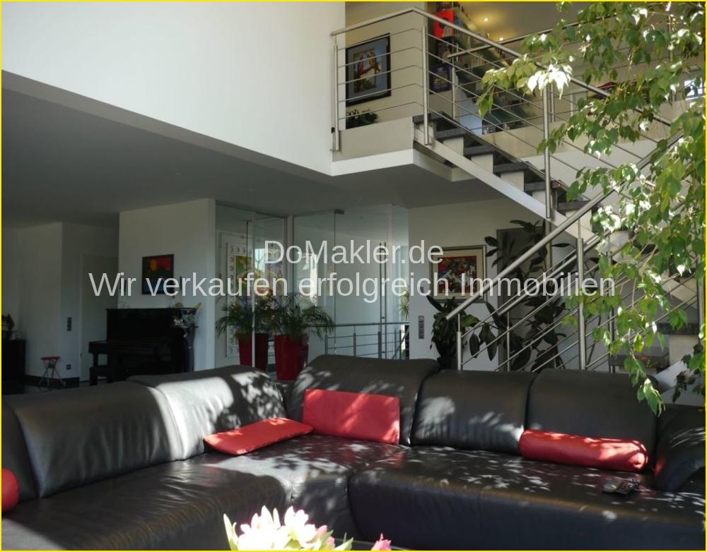 Wohnzimmer-Blick zur Empore.png