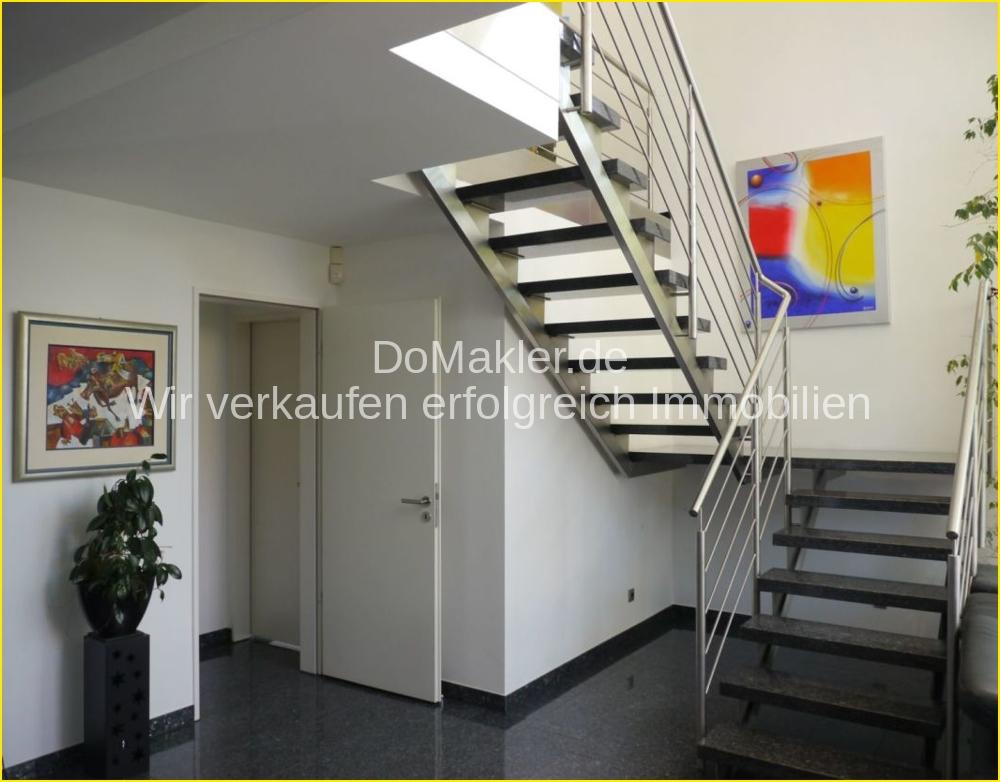 Aufgang zum Obergeschoss.png