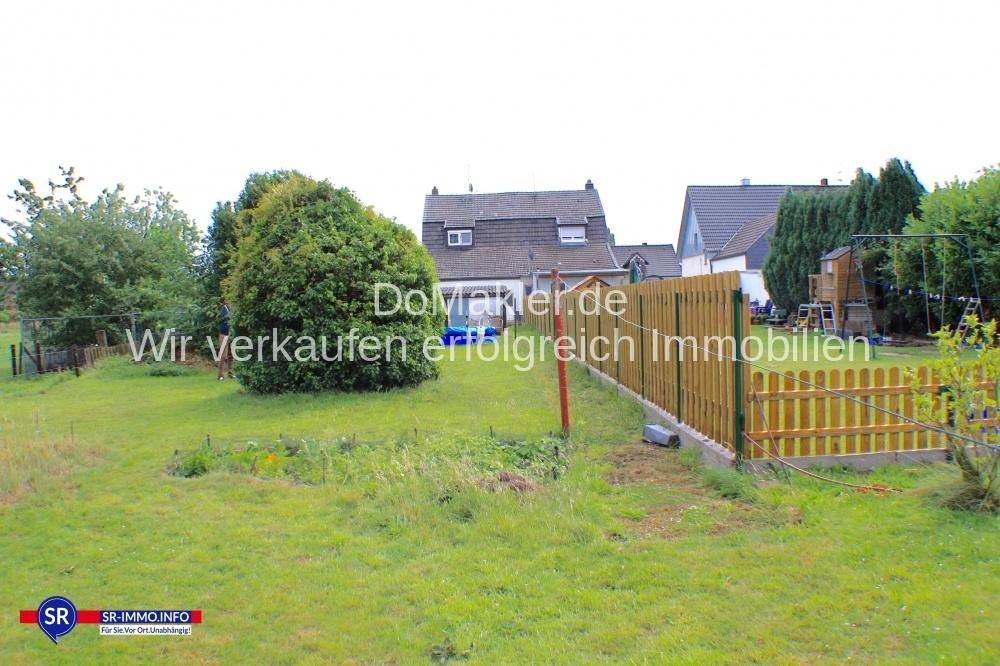 Gartenblick aufs Haus