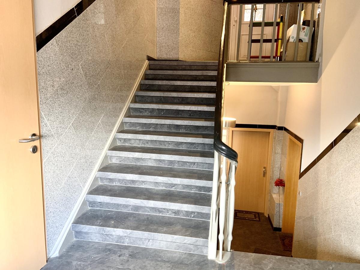 Treppenaufgang 2.OG-DG
