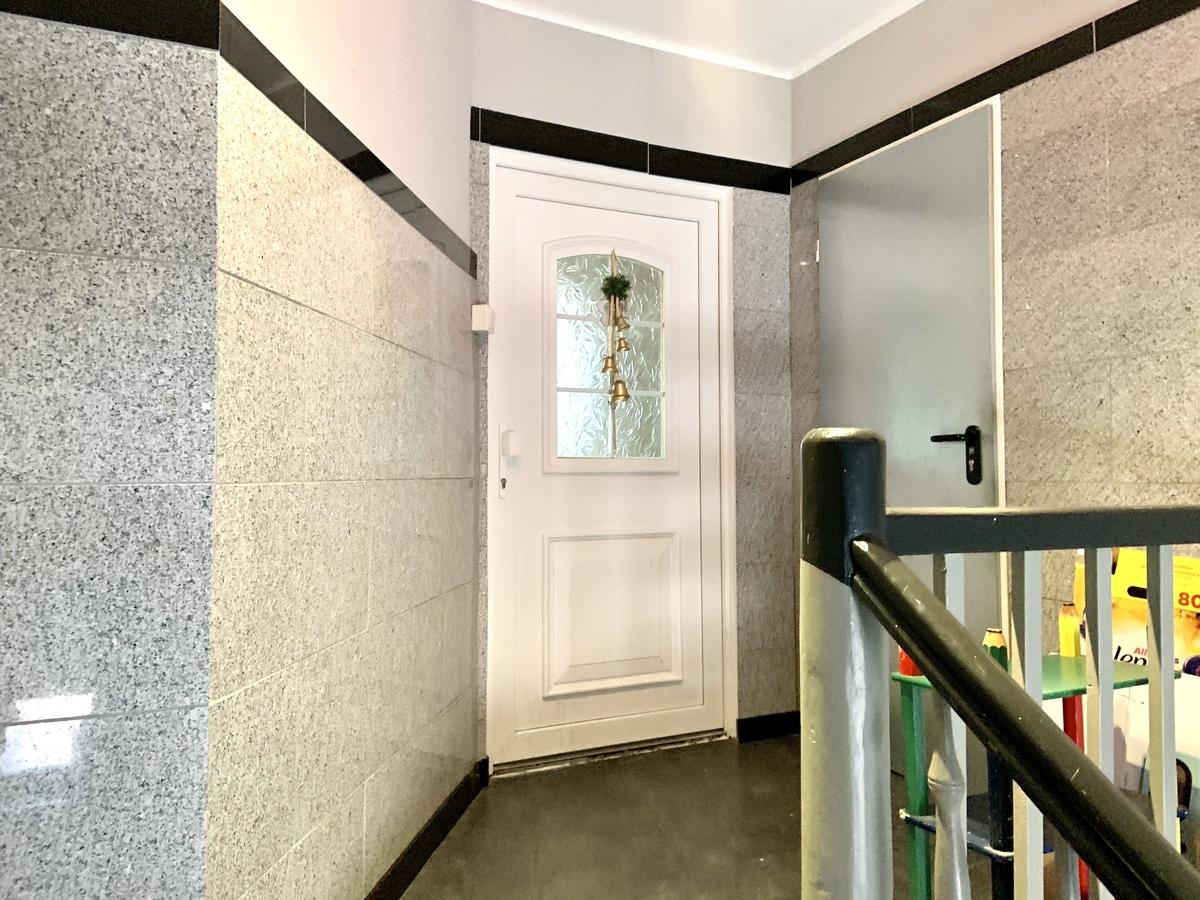 Eingang Wohnung DG